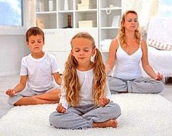 Seelenverwandtschaft erkennen: Alt und jung meditiert