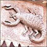 Sternzeichen Skorpion, Steinfigur an Kirche